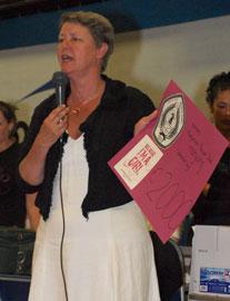 Wethouder Linda Rose Smit van Den Helder nam als vrijwilliger van Plan de check in ontvangst