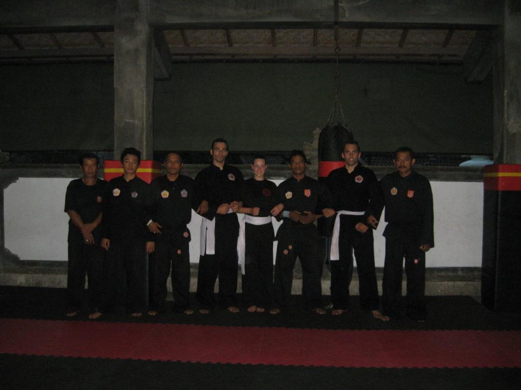 Groepsfoto met de Bakti Negara: Een familie